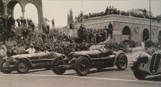 "1938 ""Start"" in front of Asmara Opera House"